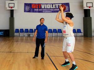 Basketballtalent Peter Hofbauer beim Mentaltraining